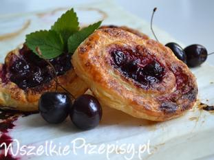 Ciasteczka francuskie z czereśniową konfiturą