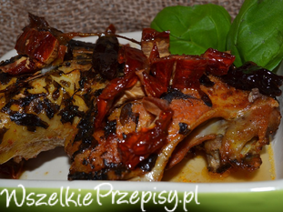 kurczak marynowany w soku jabłkowym podany z suszo