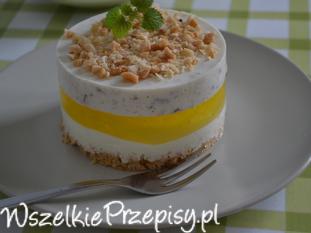 chałwowy jogurt z galaretką cytrynową i orzeszkami