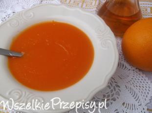 Zupa marchewkowo-pomarańczowa.