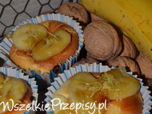 Serniczki z karmelizowanym bananem