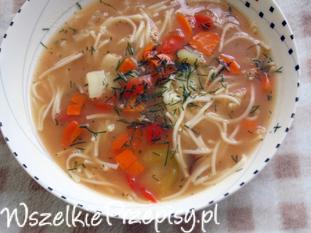 Zupa pomidorowo-paprykowa z makaronem