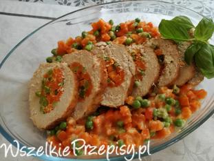 Schab z dodatkiem marchewki z groszkiem