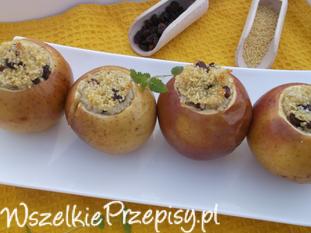 Jabłka pieczone z kaszą jaglaną i rodzynkami.