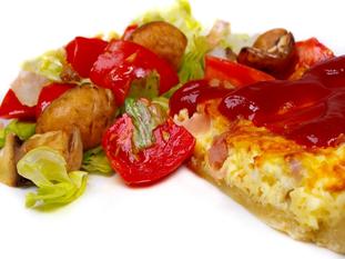 Żytnio-razowa quiche z kurczakiem i warzywami