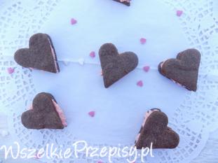 Walentynkowe ciasteczka z różowym kremem