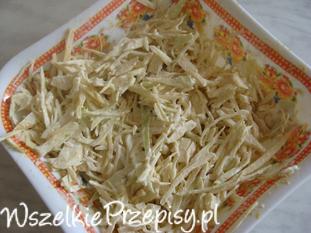 Sałatka z białej kapusty ze śmietaną