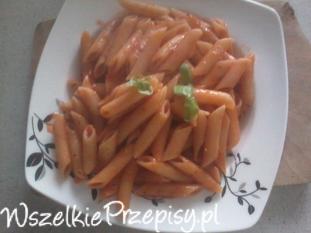 Makaron z chilli i bazylią