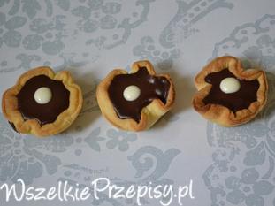Czekoladowe babeczki z kremem czekoladowym