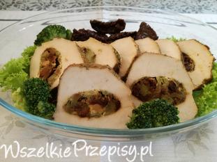 Schab nadziewany brokułem i suszonymi pomidorami