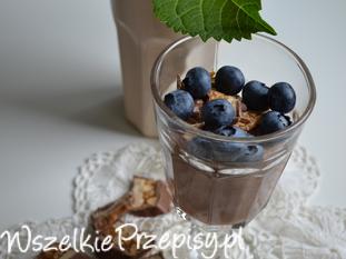 Krem czekoladowy z borówką i snicersem