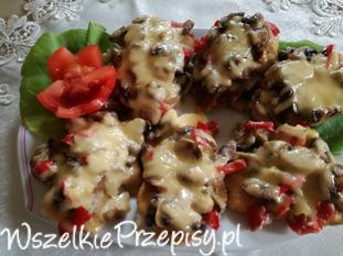 Filety pod pierzynką serowo pieczarkową