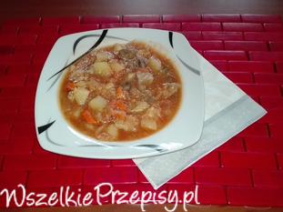 Zupa z kapustką i wieprzowiną