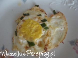 Jajka sadzone ze szczypiorkiem