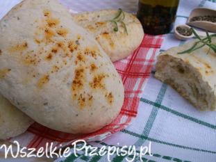 Mini chlebki z ziołami.