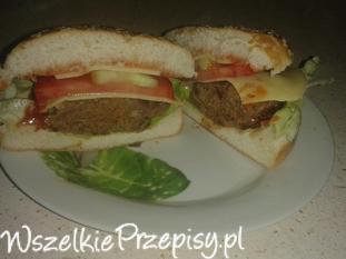 Hamburger z mielonych żołądków drobiowych