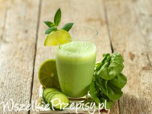 Wytrawny zielony koktajl ze szpinakiem