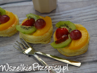 Francuskie ciasteczka z owocami