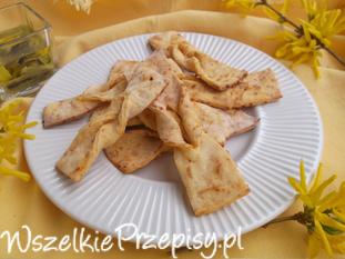 Faworki serowo - paprykowe z piekarnika.