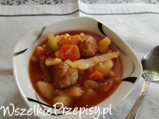 Zupa z kapustą i mięsem
