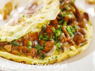 Omlet z kurkami i szczypiorkiem