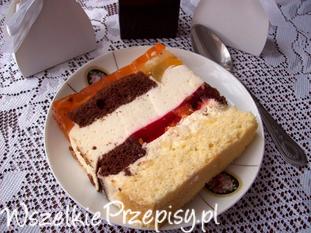 Tort z pianką i owocami