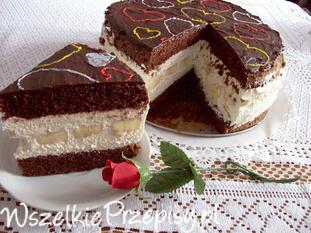 Ciasto czekoladowe z musem kawowym i bananami